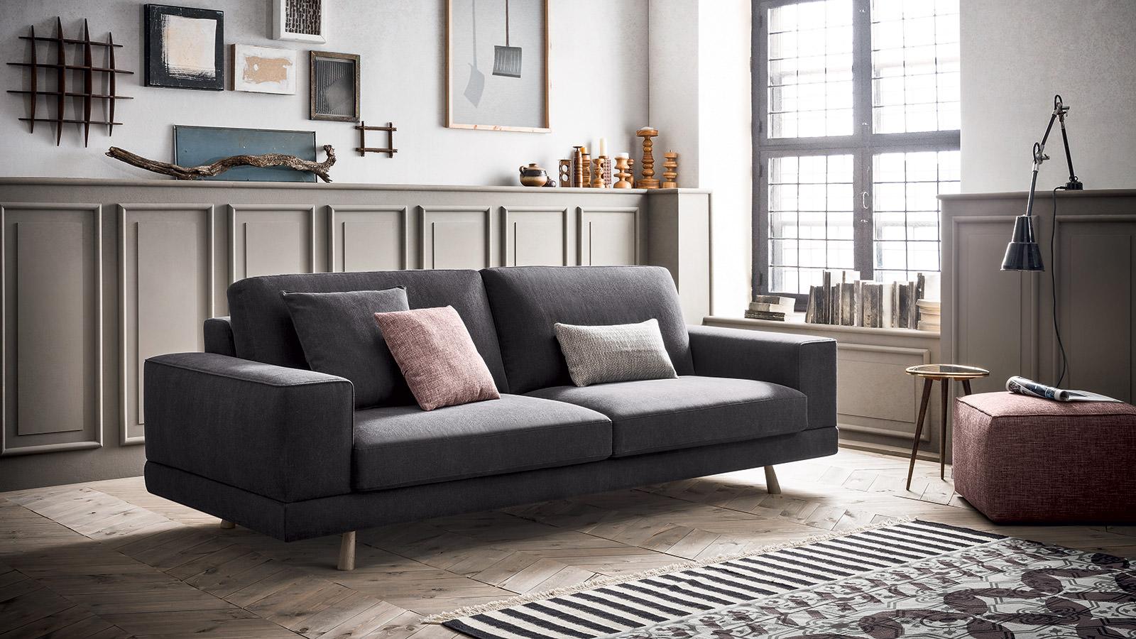 Aspen divani moderni e di design felis for Divani moderni di design
